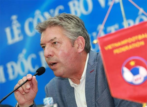Vì sao VFF kết thúc hợp đồng với Giám đốc kỹ thuật Jürgen Gede?