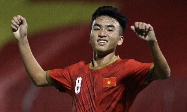 Tuyển thủ U19 Việt Nam bị cấm thi đấu vì tham gia cá độ