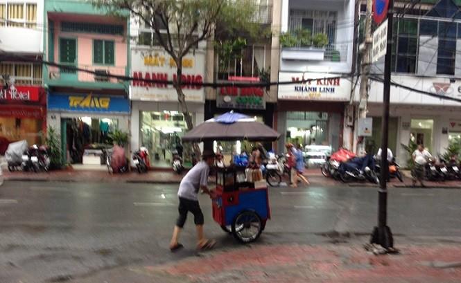 Sài Gòn những xóm mưa