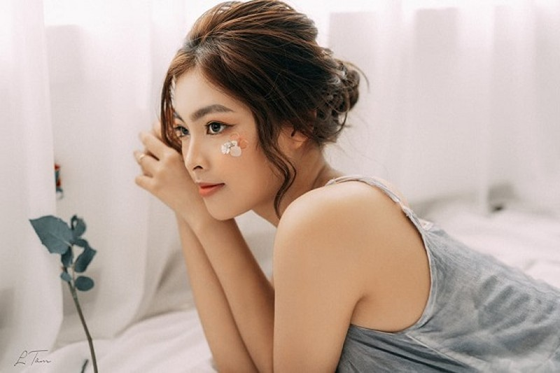 Ngọc Huyền cho rằng bà Trần Thị Thuỳ Linh đã sai luật khi tước danh hiệu của cô.