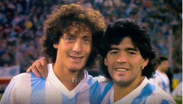 Maradona và đội tuyển Argentina có nhiều kỷ niệm với thế hệ 7x, 8x qua các kỳ World Cup.