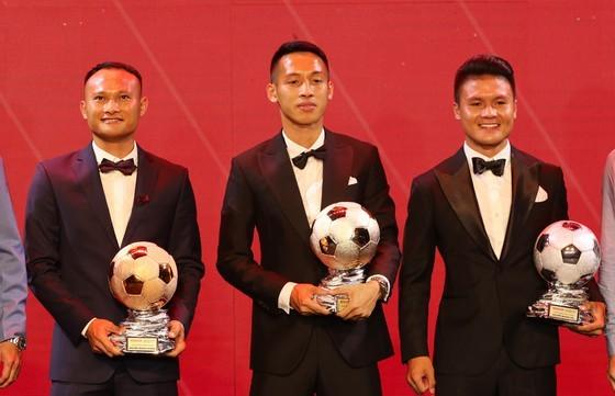 Bộ ba Đỗ Hùng Dũng, Nguyễn Quang Hải và Nguyễn Trọng Hoàng có tên trong đề cử QBV 2020