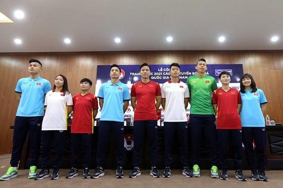 Mẫu trang phục mới của đội tuyển Việt Nam