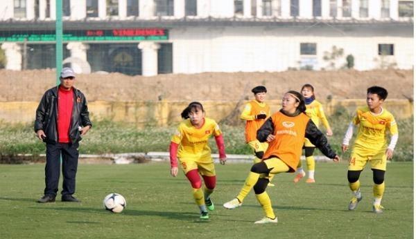 Các cầu thủ nữ ở Quảng Ninh sẽ về nhà bằng cách nào?