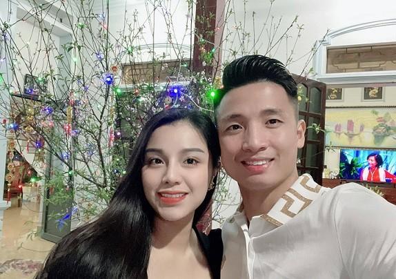 'Sao' bóng đá Việt sum vầy cùng gia đình đầu năm mới