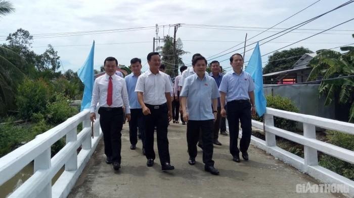 Công ty Phương Trang ủng hộ xây cầu giao thông nông thôn ở Sóc Trăng
