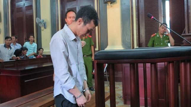 Bị cáo Sang trước vành móng ngựa.