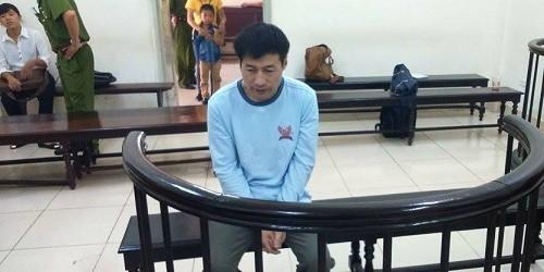 Bị cáo Fang Wen Zhong trước vành móng ngựa.