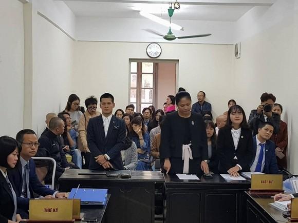 Tòa sơ thẩm tuyên án vụ kiện giữa Tuần Châu và đạo diễn Việt Tú.