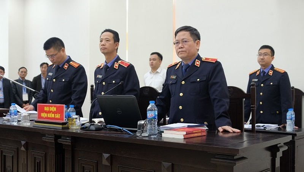 Cựu Chủ tịch Đà Nẵng và Phan Văn Anh Vũ bị đề nghị mức án cao nhất 27 năm tù