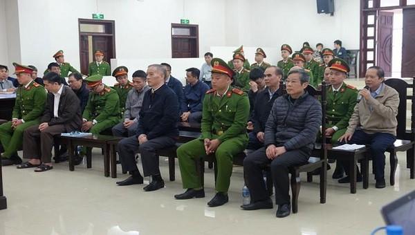 Các bị cáo tại phiên tòa sơ thẩm.