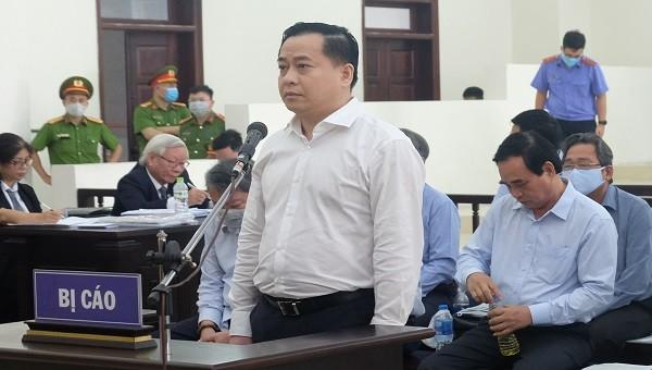 Bị cáo Phan Văn Anh Vũ xin được vào phòng cách ly vì gặp vấn đề về sức khỏe