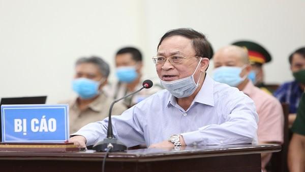 Cựu Thứ trưởng Bộ Quốc phòng Nguyễn Văn Hiến tại tòa.
