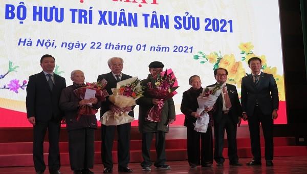 Trường Đại học Luật Hà Nội gặp mặt cán bộ hưu trí nhân dịp Xuân Tân Sửu 2021