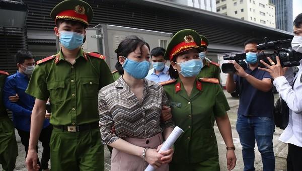 Bắt đầu xét xử vụ Nhật Cường: Đình chỉ vụ án hình sự sơ thẩm với 1 bị cáo