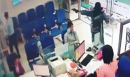 Hình ảnh vụ cướp ngân hàng tại Tiền Giang cuối năm 2018