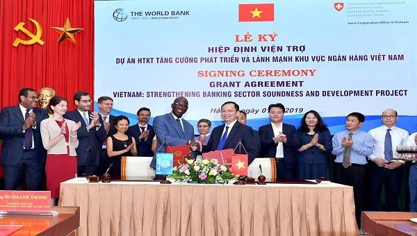 Ngân hàng Thế giới và Thụy Sỹ Hỗ trợ Việt Nam 2,2 triệu USD phát triển ngành Ngân hàng