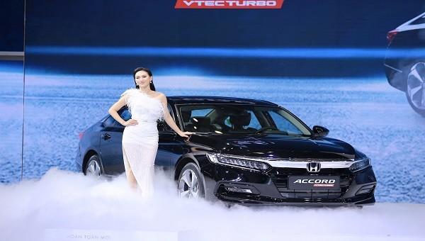 Honda Accord hoàn toàn mới thế hệ thứ 10 giá nhỉnh hơn 1,3 tỷ đồng