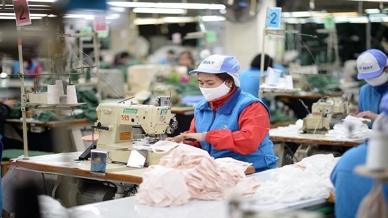 Nhiều ngành sản xuất có khả năng dừng sản xuất vì dịch Covid-19, ảnh hưởng đến số thu ngân sách.