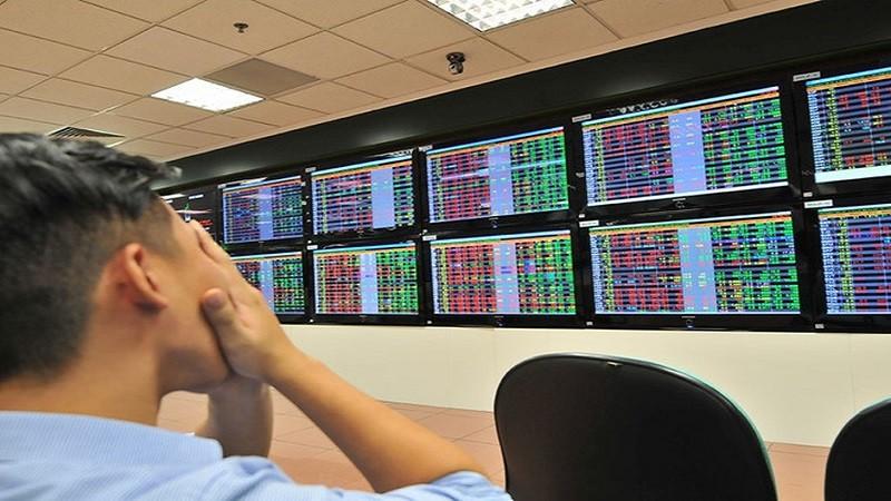 Sau phiên giảm điểm kỷ lục, tâm lý nhà đầu tư đang dần ổn định.
