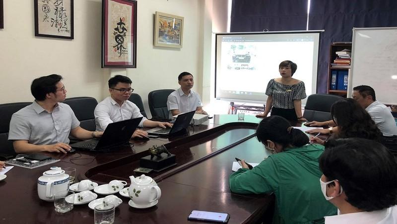 Bà Đỗ Thị Hồng Hạnh, Tổng giám đốc Công ty Đấu giá hợp danh Lạc Việt, giới thiệu về hệ thống đấu giá trực tuyến Lạc Việt.