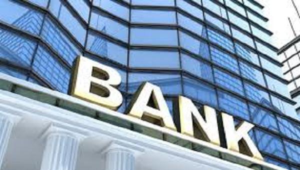 Giảm 50% lệ phí cấp phép thành lập và hoạt động của ngân hàng, tổ chức tín dụng phi ngân hàng