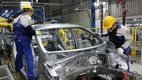 Bộ Tài chính đề nghị Bộ Tư pháp thẩm định dự án Nghị định giảm 50% lệ phí trước bạ đối với ô tô sản xuất, lắp ráp trong nước