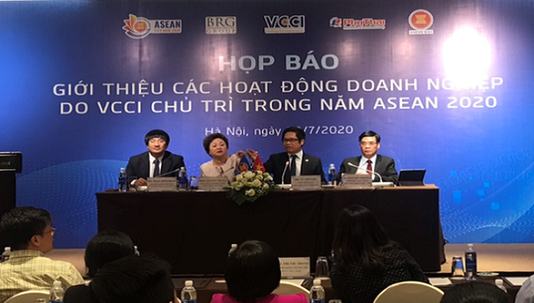 Họp báo công bố giải  thưởng ASEAN Business Awards 2020.