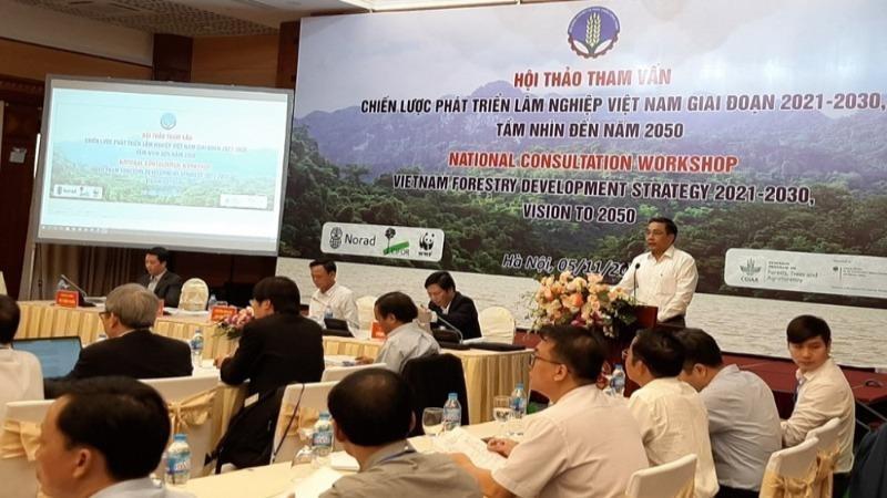 Hội thảo tham vấn với sự tham gia của đại diện các Bộ ngành, các chuyên gia, đại diện 38 dịa phương có diện tích rừng lớn.