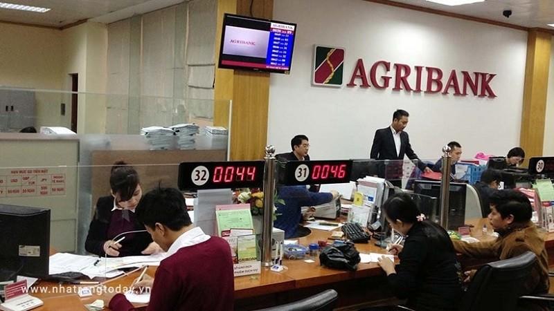 Agribank tiếp tục trụ vừng trong Top 10 Bảng xếp hạng Top 500 DN lớn nhất Việt Nam năm 2020.