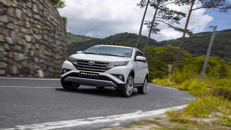 Khách hàng mua xe có thể tiết kiệm lên tới 50 triệu khi sở hữu Toyota Rush.