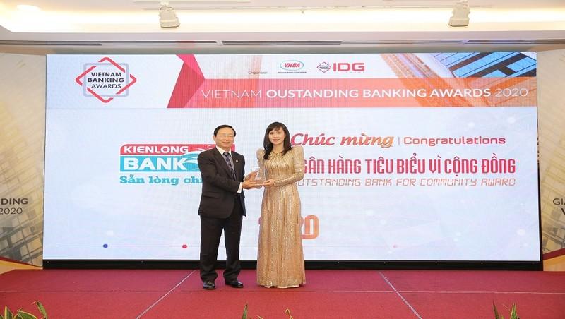 """Kienlongbank lần đầu tiên được vinh danh  """"Ngân hàng tiêu biểu vì cộng đồng"""""""