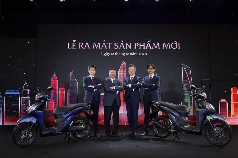 Các lãnh đạo Honda Việt Nam bên sản phẩm mới.