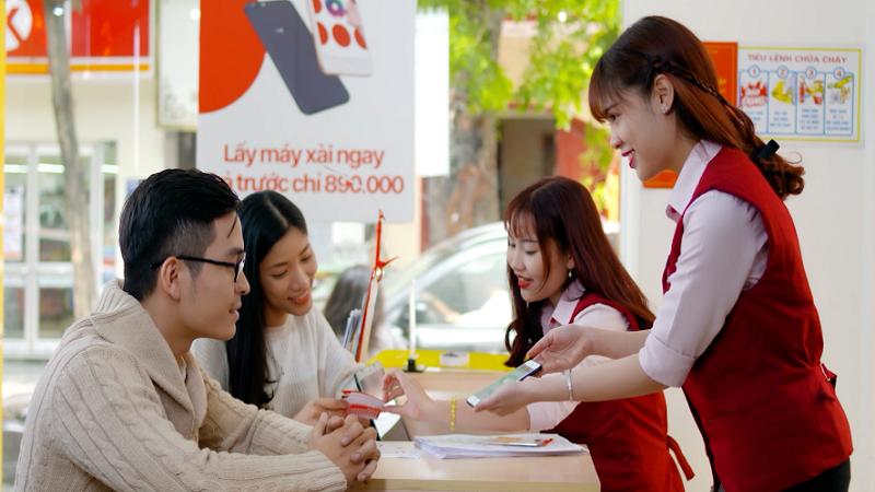 Khách vay tiêu dùng gia tăng giao dịch trực tuyến