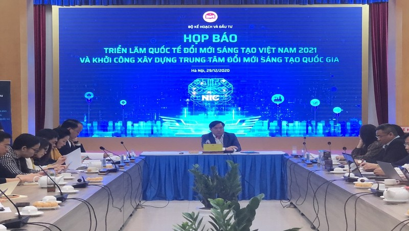 Thứ trưởng Bộ KH&ĐT Trần Duy Đông chủ trì họp báo giới triệu về VIIE 2021.