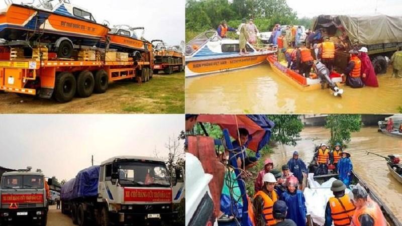 Kịp thời xuất cấp gạo, trang thiết bị vật tư cho các địa phương khắc phục hậu quả của bão lũ.