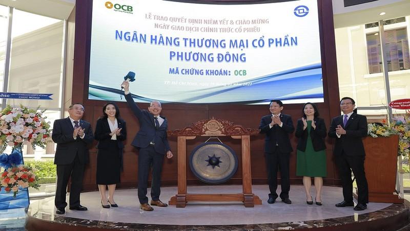 OCB chính thức niêm yết trên sản HoSE với giá 22.900/ CP
