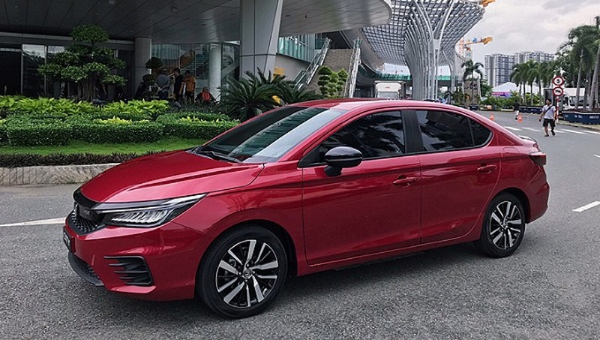 Tháng đầu tiên của năm 2021: Doanh số bán ô tô giảm 45% so với tháng 12/2020 nhưng tăng đến 69% so với cùng kỳ năm ngoái
