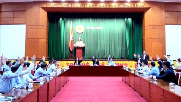 Hội nghị đã biểu quyết giới thiệu Ủy viên Bộ Chính trị, Bộ trưởng Bộ Tài chính Đinh Tiến Dũng ứng cử ĐBQH khóa XV với 100% đại biểu tán thành.