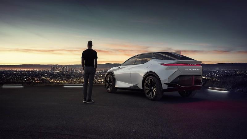 """Lexus ra mắt mẫu xe ý tưởng """"LF-Z Electrified"""" chạy điện hoàn toàn"""