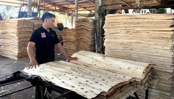 Cần có biện pháp kiểm soát giá xuất khẩu mặt hàng ván bóc sang thị trường Trung Quốc