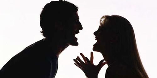Con dâu mâu thuẫn với chồng, bố chồng bị chém