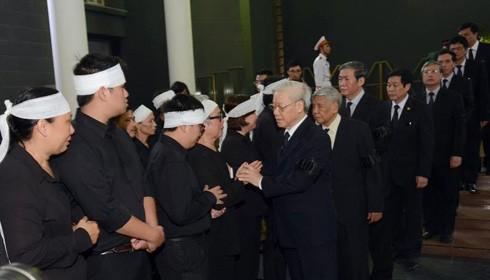 Tổng bí thư Nguyễn Phú Trọng chia buồn với gia quyến nhà báo Hữu Thọ.