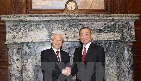 Tổng Bí thư Nguyễn Phú Trọng hội kiến Chủ tịch Thượng viện Nhật Bản Yamazaki Masaaki. (Ảnh: Trí Dũng/TTXVN)