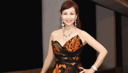 Hoa hậu Diệu Hoa lộng lẫy trong váy dạ hội trễ ngực tới làm giám khảo cuộc thi Hoa khôi Doanh nhân