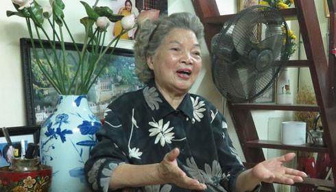 Nghệ sĩ Lê Mai sống một mình nhưng không cô đơn. Ảnh: Minh Nhật