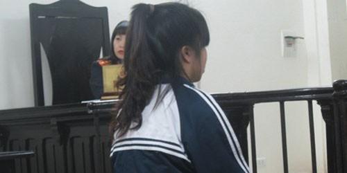 Nữ sinh cấp 3 vừa nghe giảng vừa điều bạn đi bán dâm
