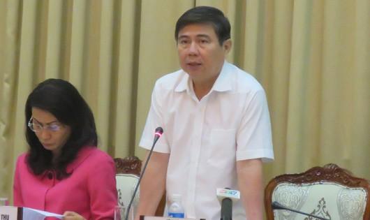 Chủ tịch UBND TP HCM Nguyễn Thành Phong chủ trì phiên họp thường kỳ về tình hình kinh tế - xã hội 5 tháng đầu năm 2016 của thành phố.