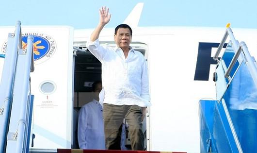 Tổng thống Philippines Duterte đến Hà Nội, bắt đầu thăm chính thức Việt Nam