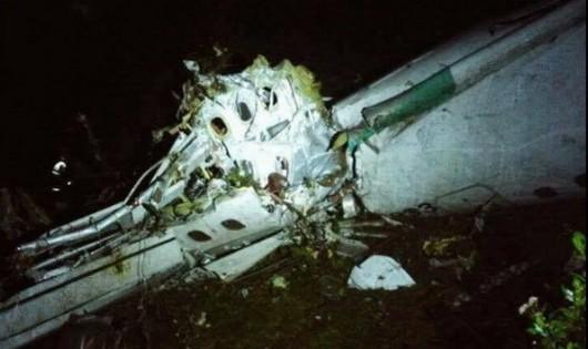 Thông tin mới nhất vụ máy bay chở cầu thủ của Brazil rơi